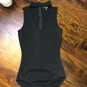 Lulu's V-Neck Bodysuit w Choker attchd. Black XS